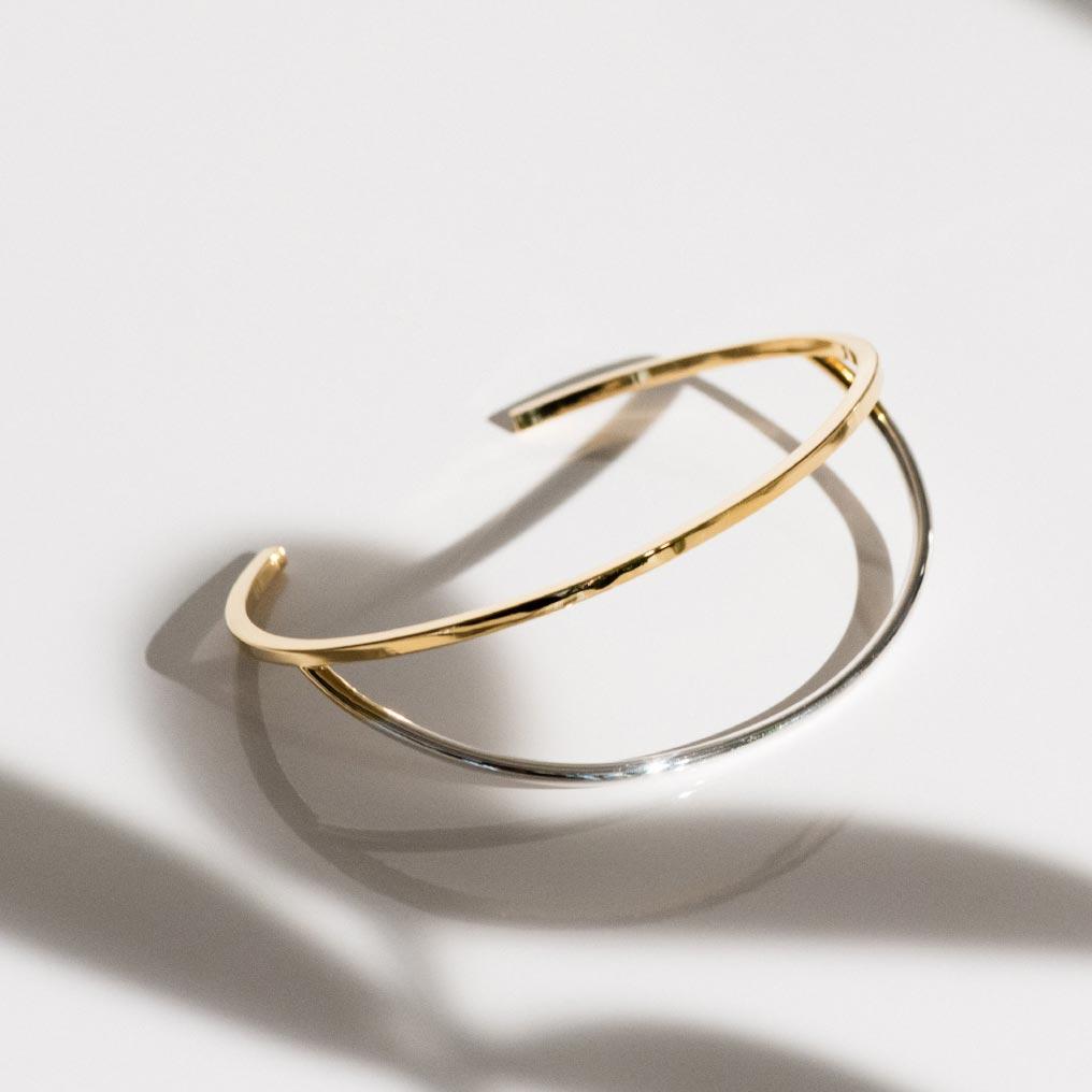 Offset loop bracelet XI-01-B